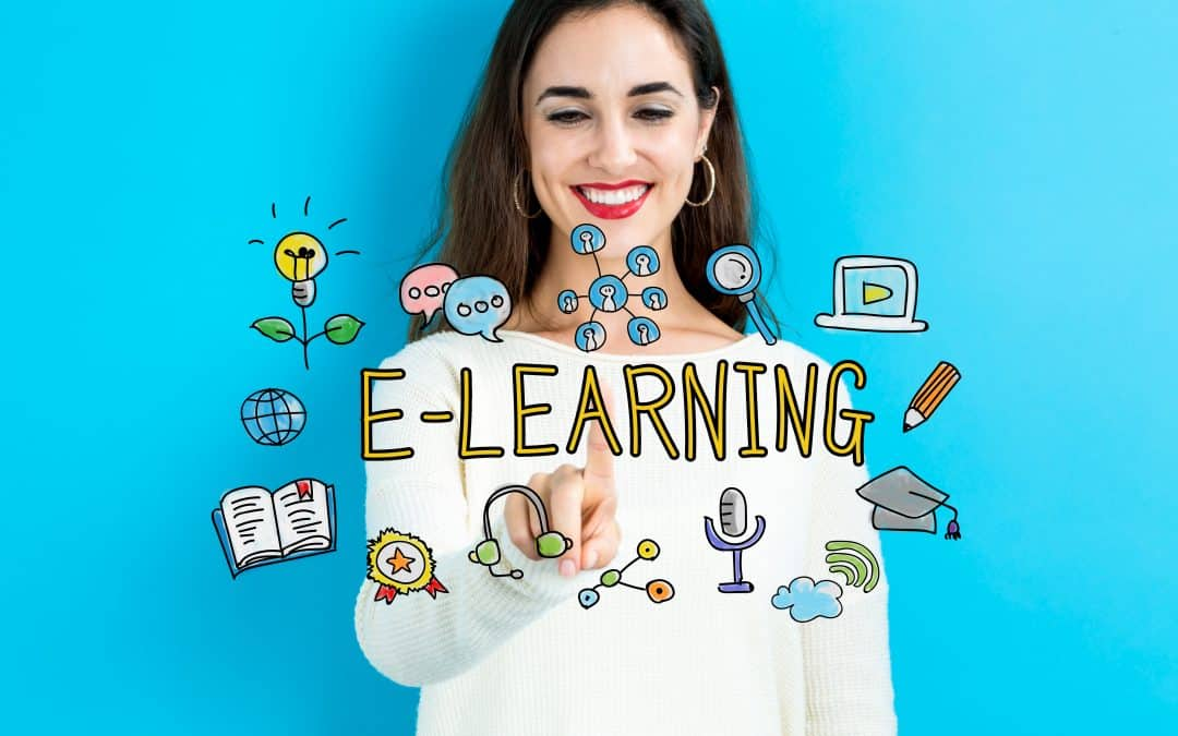 woman e-learning smiling